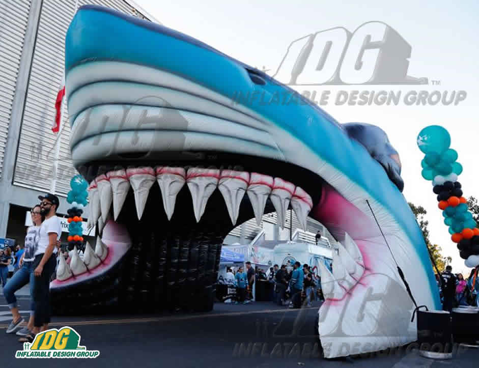 Inflatable-Shark-Entryway-San-Jose-Sharks-002