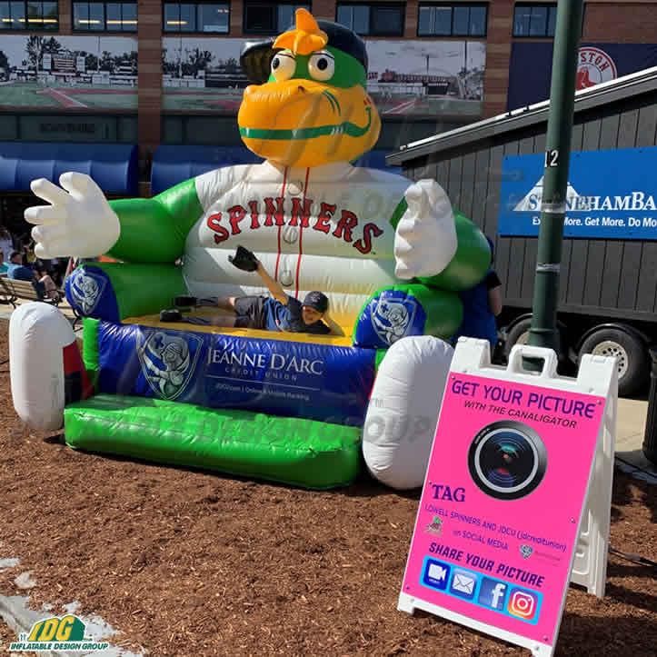baseball team custom sports inflatables photo opportunity