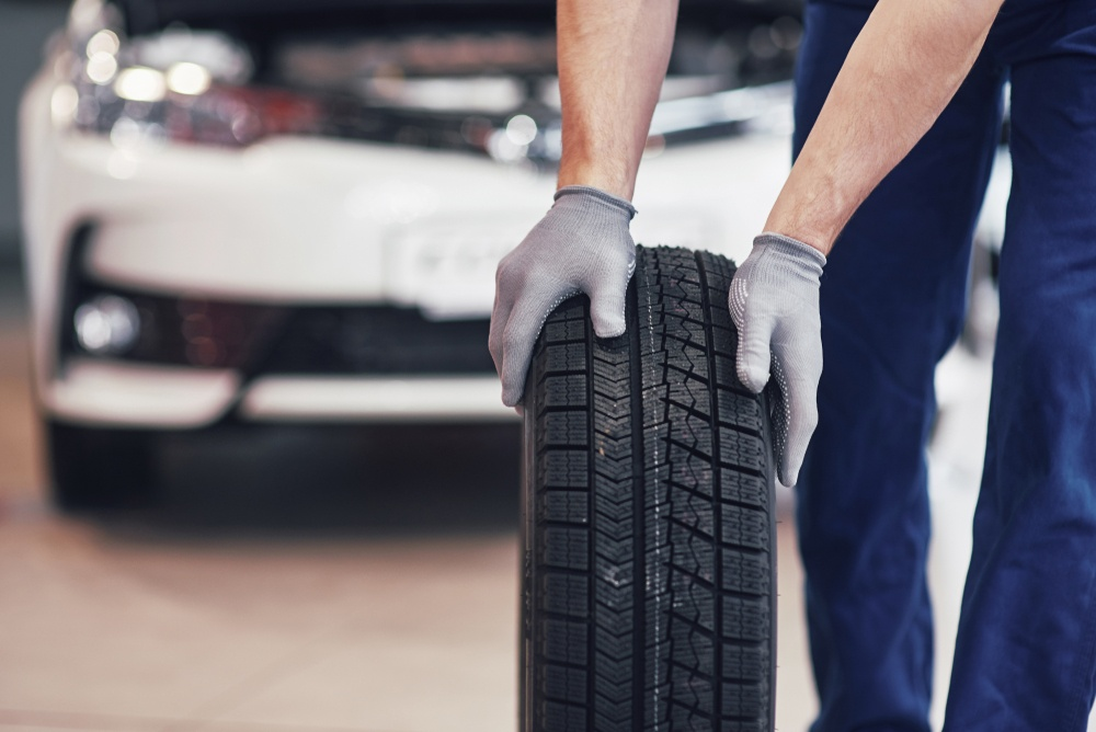 Summer Tires with Remote Mechanic