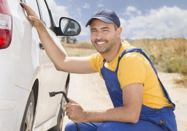 can a mobile mechanic fix my car without a garage high