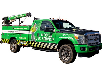 Mobile Auto Service Green Work Truck Remote Mechanic