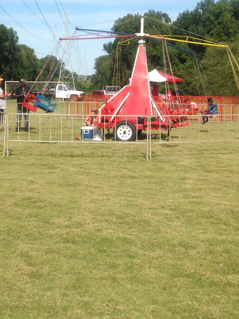 901PARTIES DINING & CATERING SWING CARNIVAL RIDE