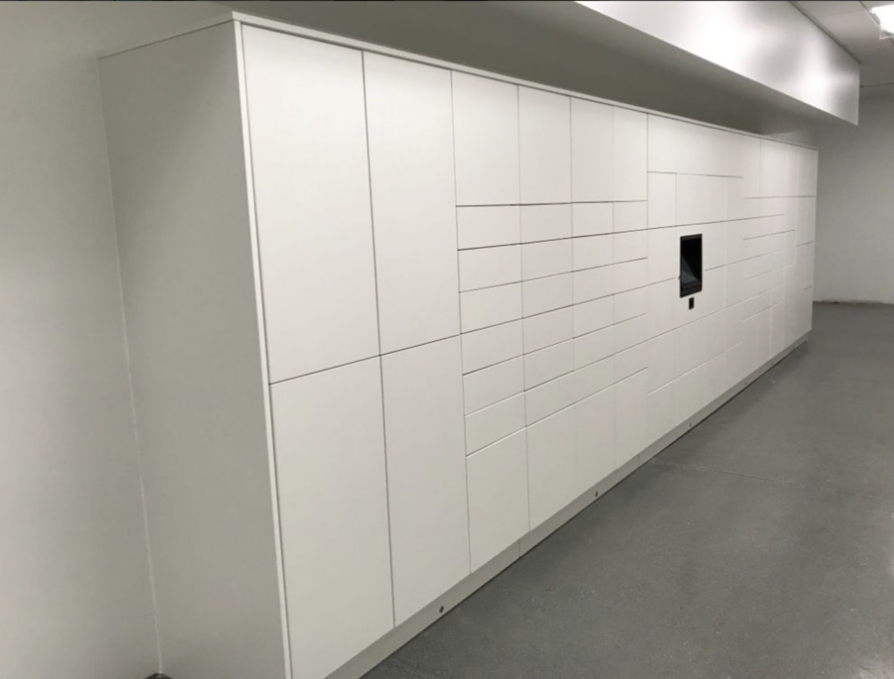 How Smart Lockers Improve Your Business's Performance