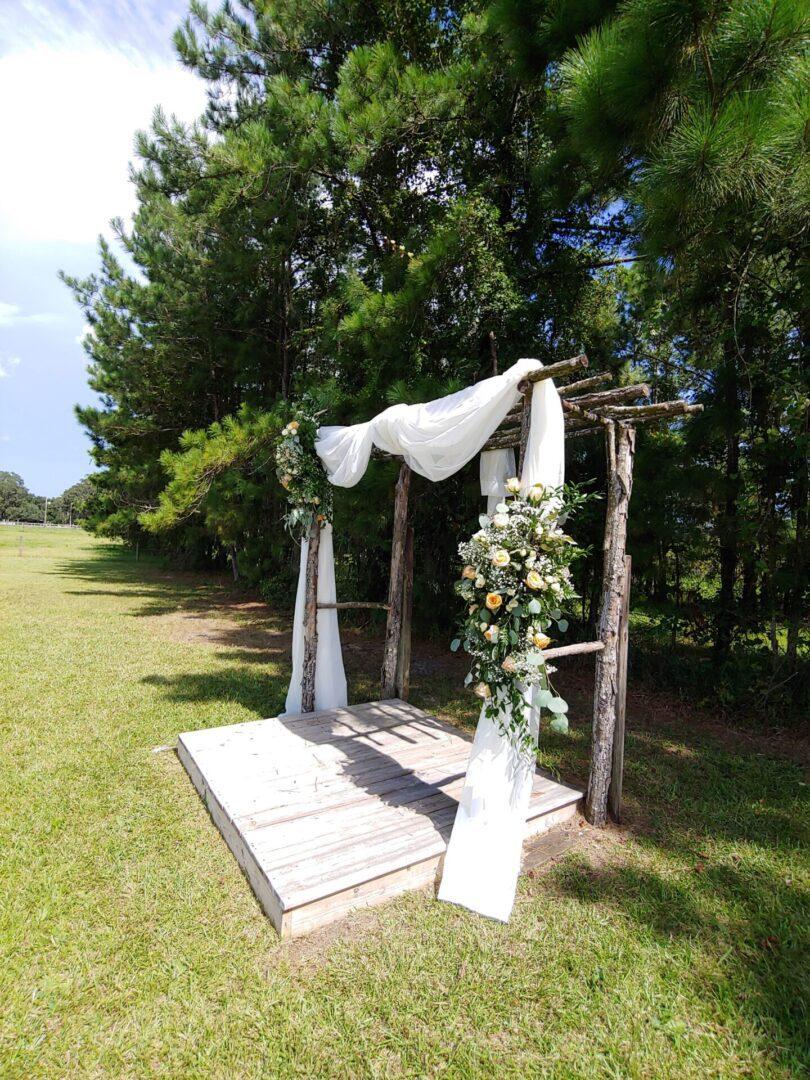 Wooden-themed wedding backdrop