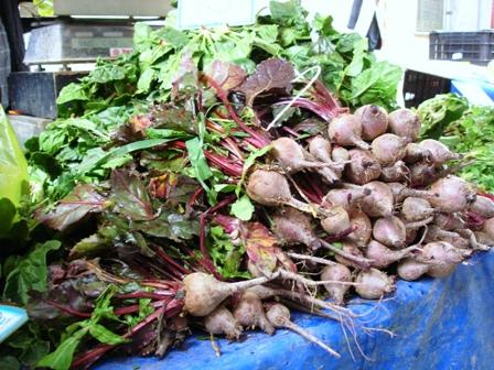 Beets and beet greens for batzaria