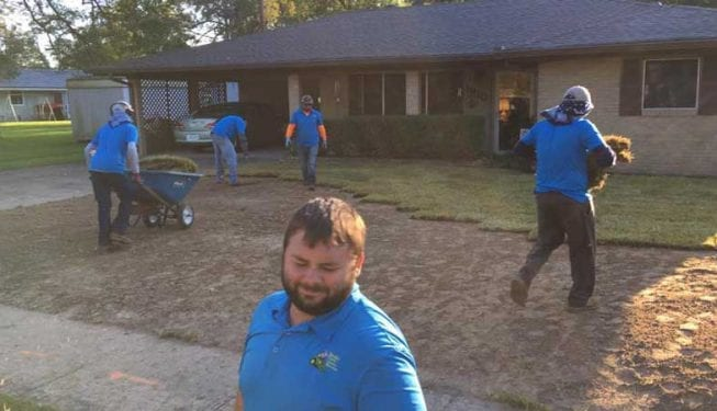 Tender Care Lawn Services | Our Team Hard At Work