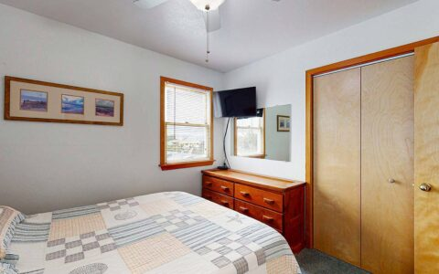 Middle level bedroom #4 with Queen bed