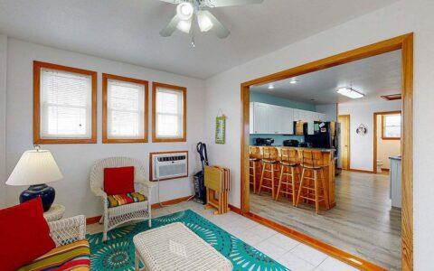 Top floor Sun Room adjacent to kitchen