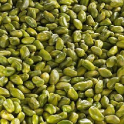 Green-pistachio-kernels