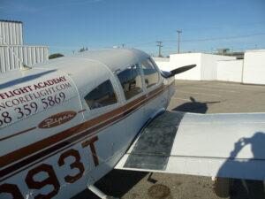 Fly an airplane: flight school