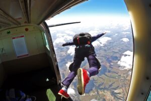 Skydiving: Skydive: Jump into the sky