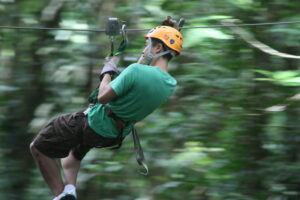 Zip-line Tortuguero: Flying through the trees