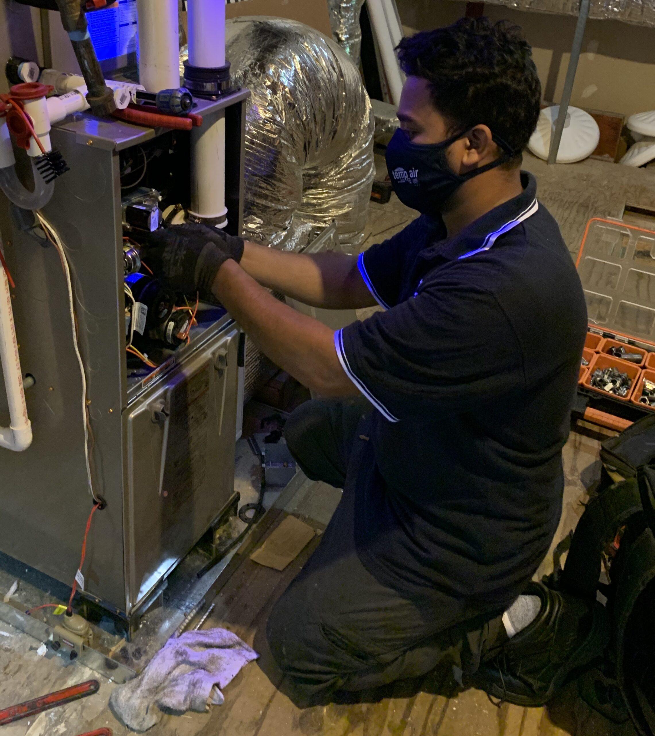 Experienced HVAC service technicians