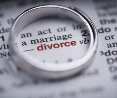 A photo symbolizing filing for divorce.