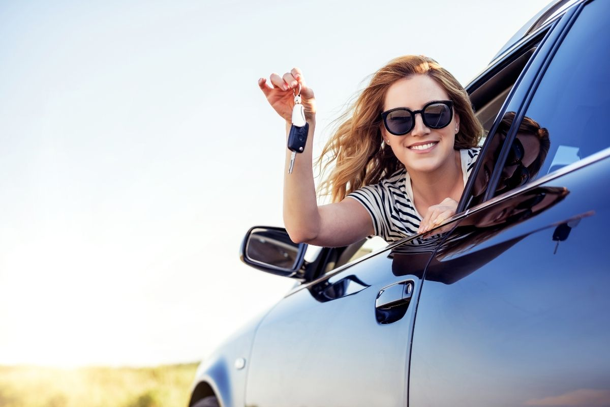 How to Transfer a Car Title in Illinois