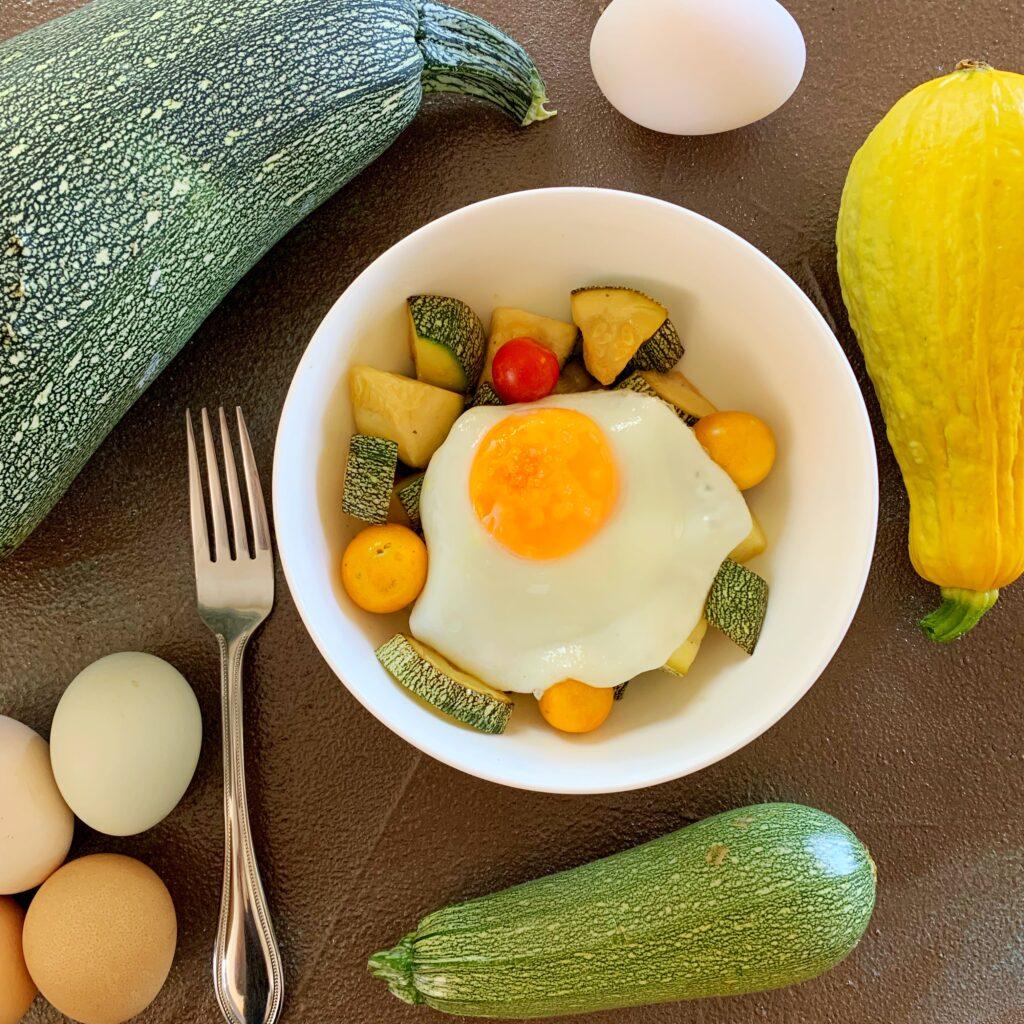 Egg zucchini keto hash