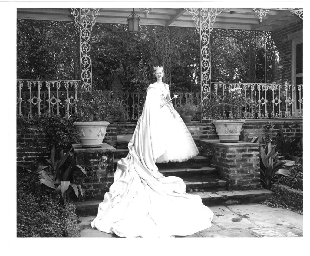 America's 1st Junior Miss, Phyllis Ann Whitenack of West Virginia, at Bellingrath in 1958