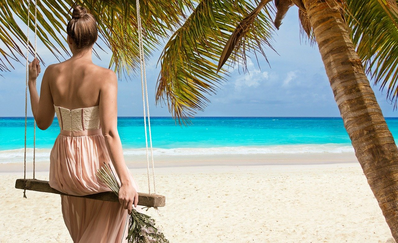 The Pros and Cons of Living in Belize