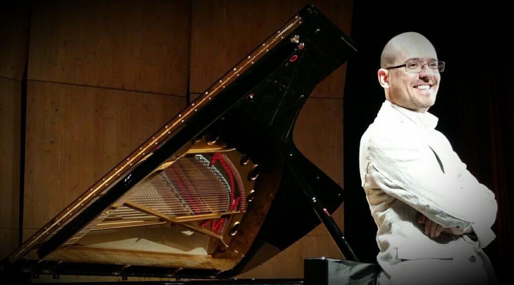 roberto plano with piano