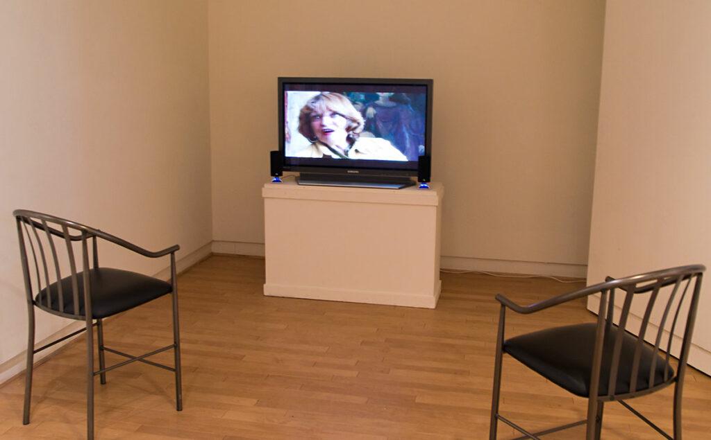 VIdeo of Elaine Badlgey Arnoux playing at the museum in Santa Cruz