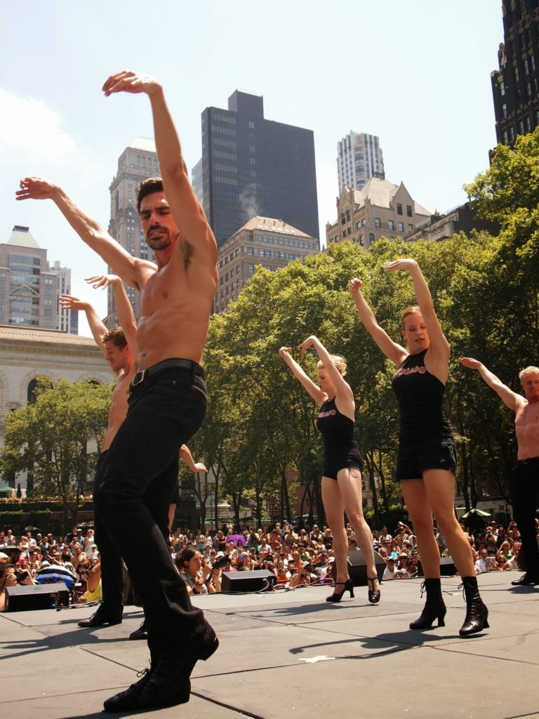 Free exercise classes in Bryant Park NYC