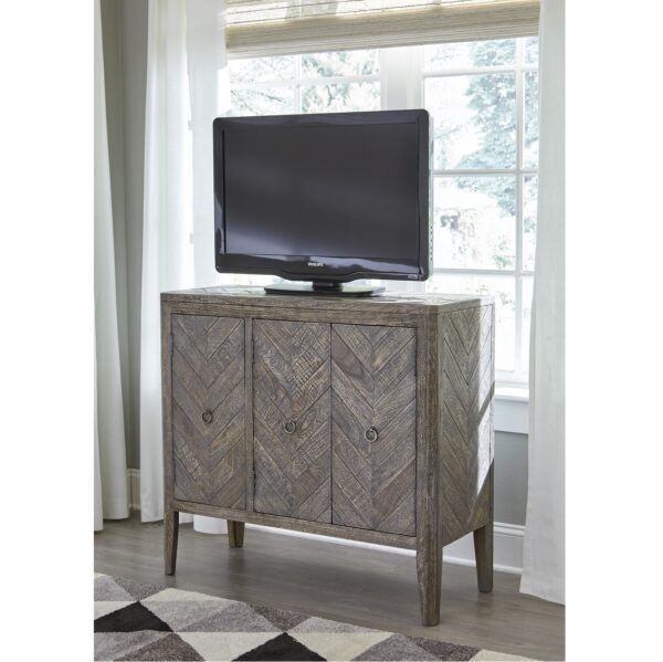 Boyerville Accent Cabinet (Room View)