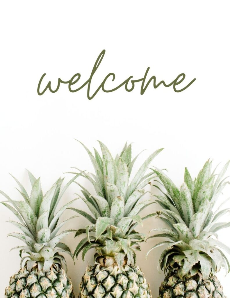 """Welcome and pineapple photo wall decor free printable - Grab this cute """"welcome"""" pineapple picture to decorate your entryway"""