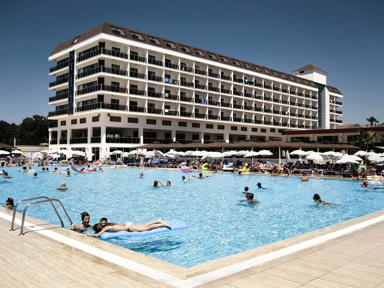 hotel pool inspector