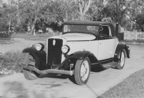 A 1932 Studebaker convertible, one of three Studebakers owned by the author. Photo: blog.hemmings.com