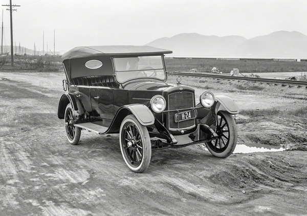 A Grant Six touring car similar to the one Ms. Hargrove used to carpool to school in La Feria in the 1920's. Photo: shorpy.com/pinterest.com