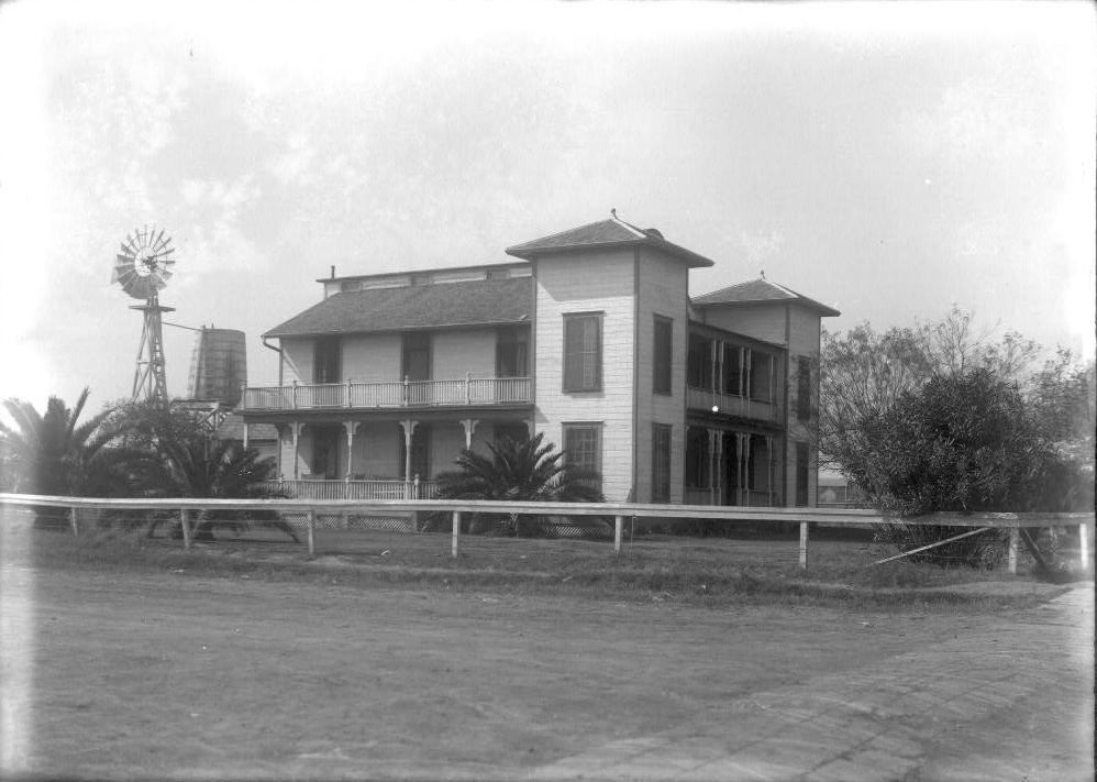 Hotel la Feria, February 2, 1920. Photo: Robert Runyon Photograph Collection/The Center for American History and General Libraries, University of Texas at Austin