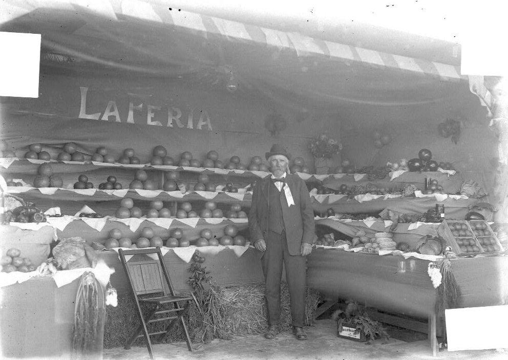 Fruit stand in La Feria at the early part of the century. Photo: Robert Runyon Photograph Collection/The Center for American History and General Libraries, University of Texas at Austin Click to enlarge.