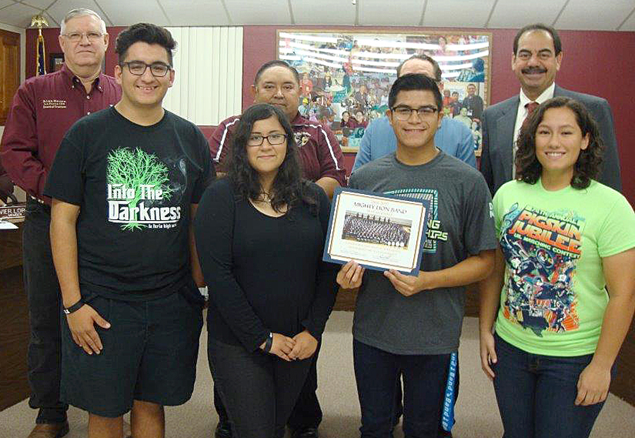The Superintendent and the La Feria ISD School Board recognize students from the high school band qualified to compete at the state marching band competition. They placed 2nd out of 31 bands at the regional marching band competition.