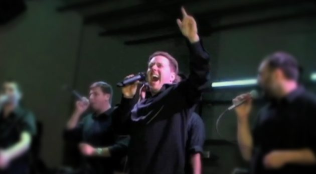 Performing-07