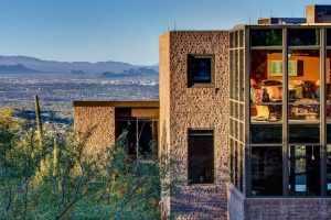Escape to Tucson's Iron Horse Neighborhood