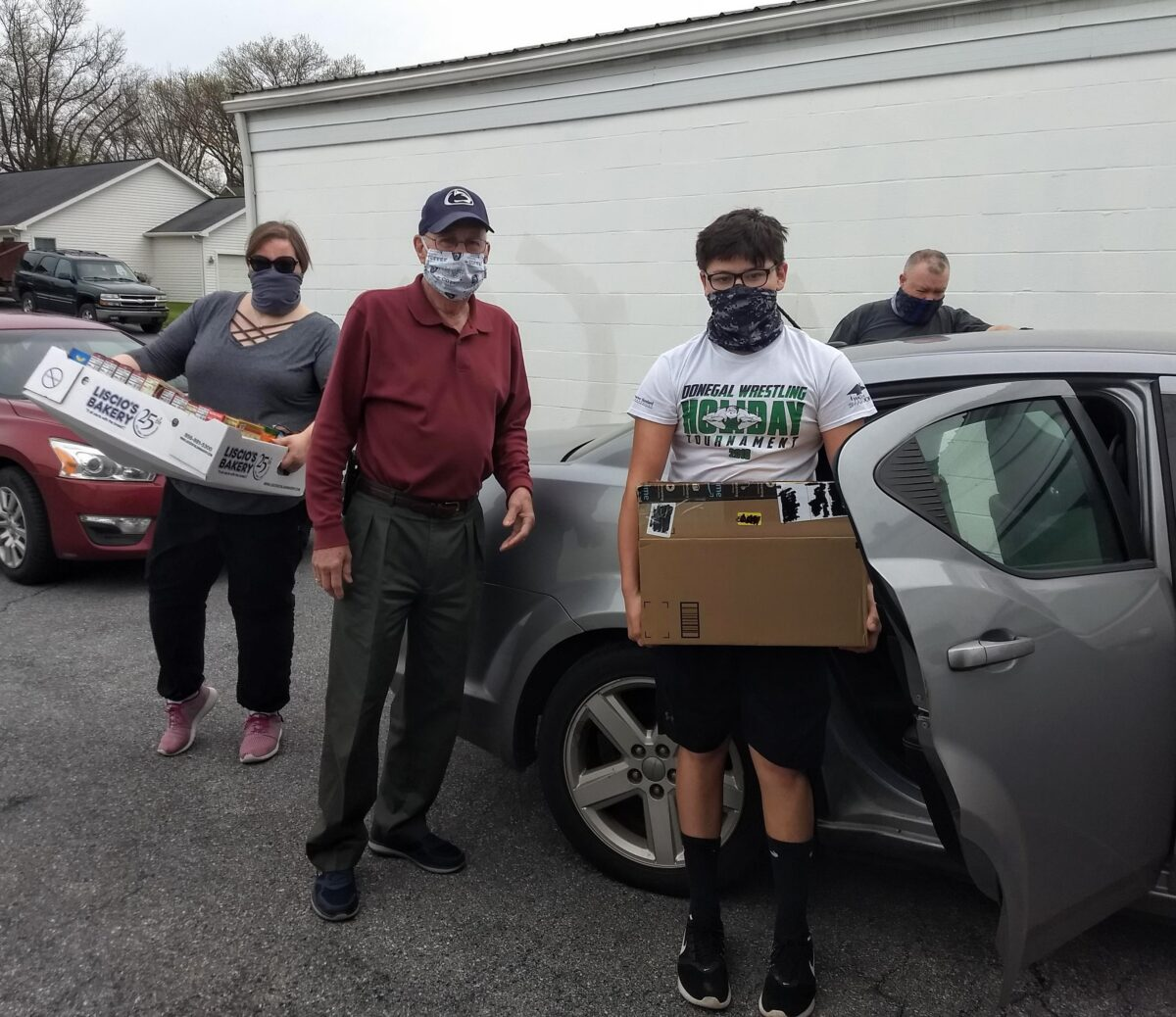 Boy Scouts Troop 39 Holds food drive