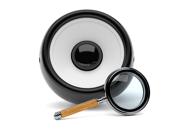 Audio speaker with magnifying glass