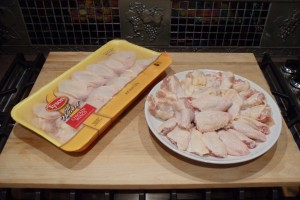 How to Cut & Separate Chicken Wings into Sections for Hot Buffalo Wild Wings... Smart & Easy