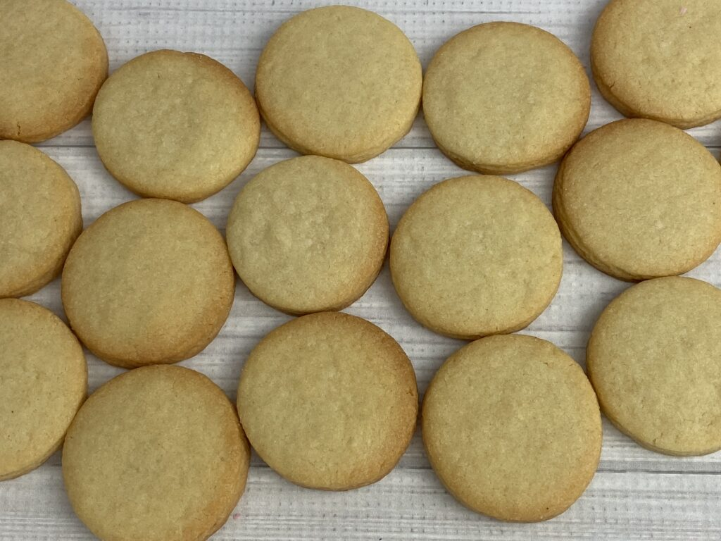 Small circles for Mother's Day Flower Cookies