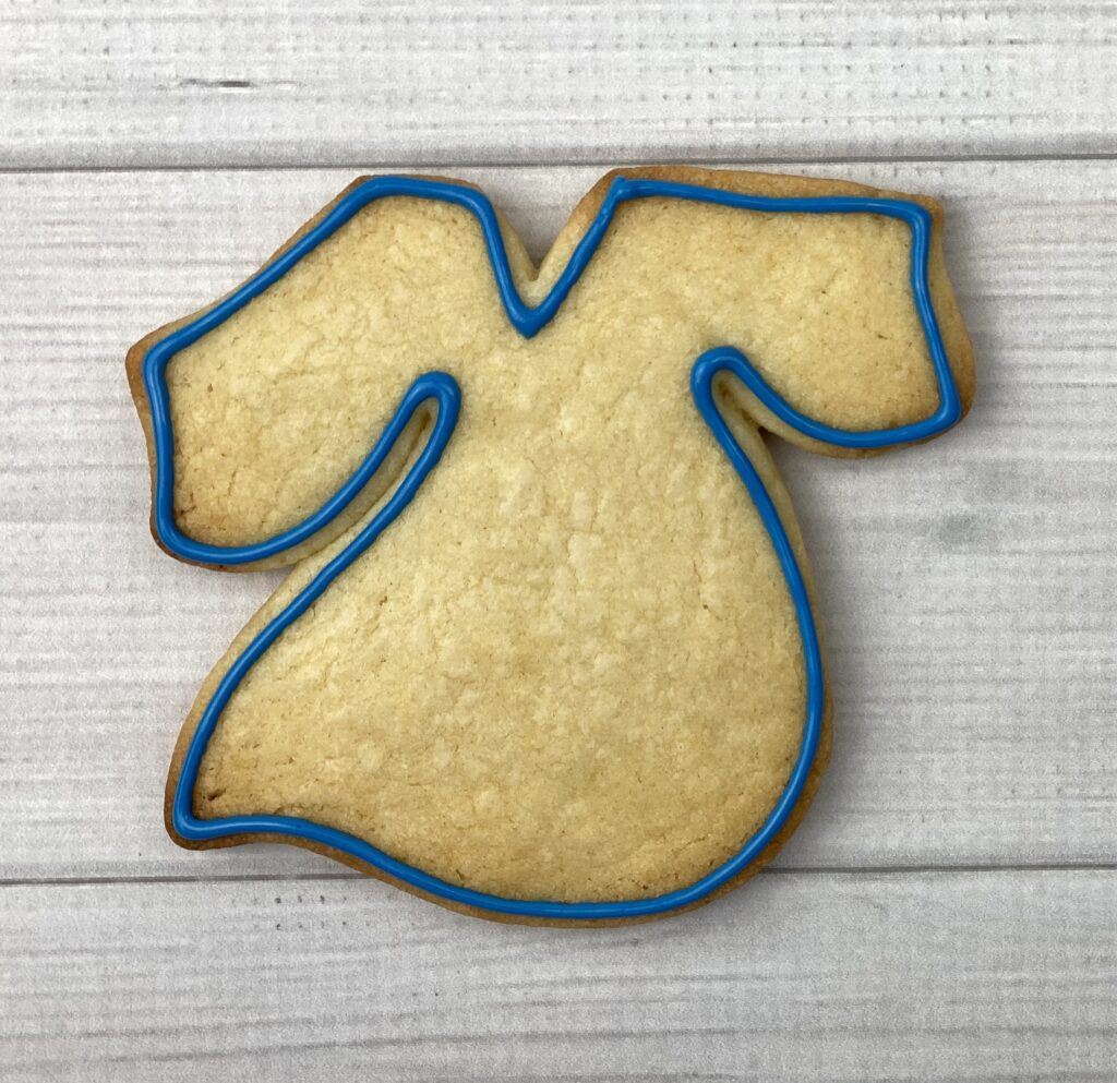 Outline and flood gown cookie for 2020 Graduation Cookies
