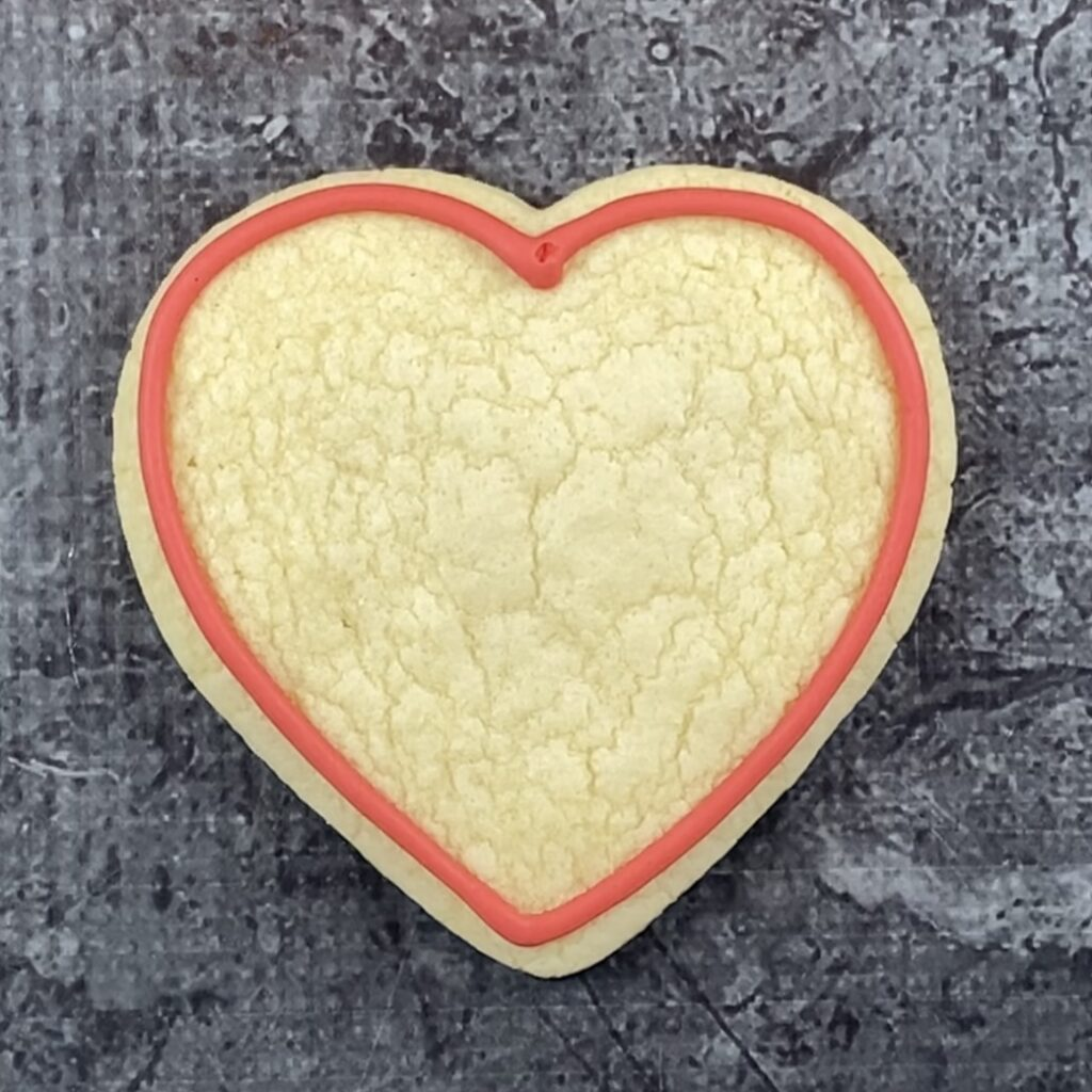 Outline heart cookie