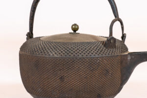 Japan Japanese Cast-Iron Tea Kettle (teapot) Teapots