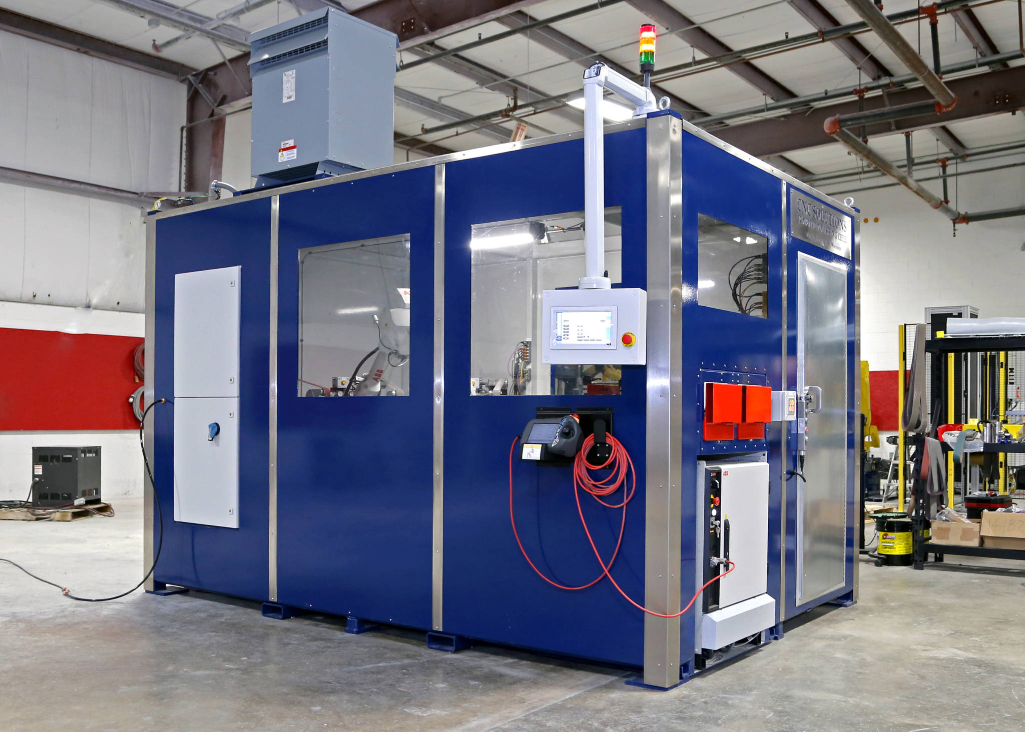 A fully enclosed polishing cell