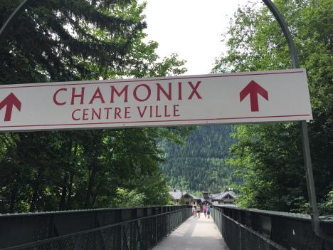 chamonix-town-sign