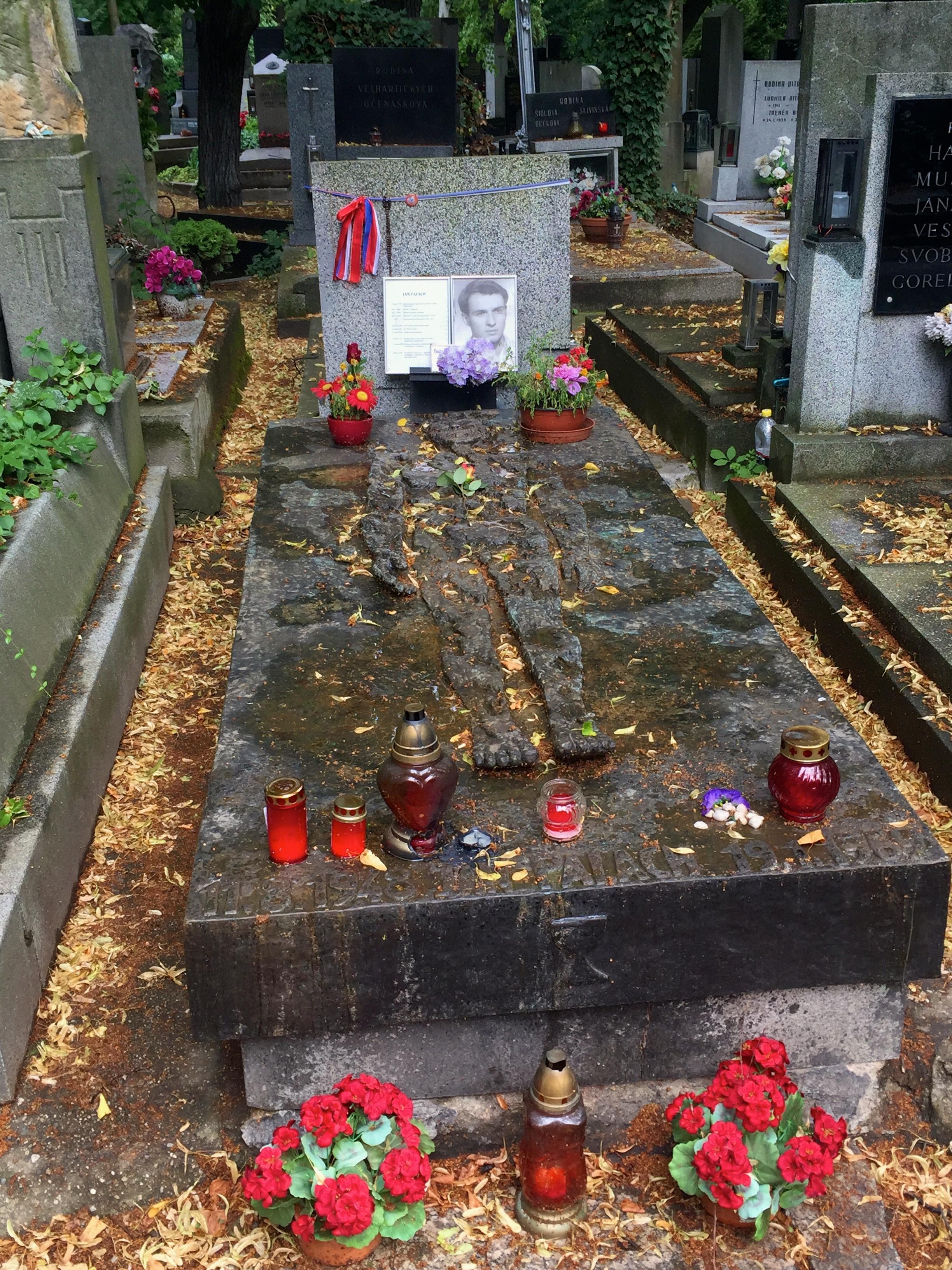 jan-palach-grave-prague-attractions
