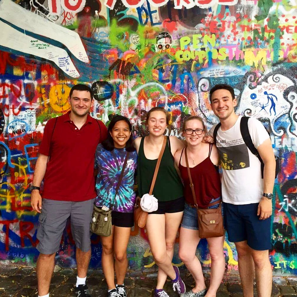 lennon-wall-prague-attractions