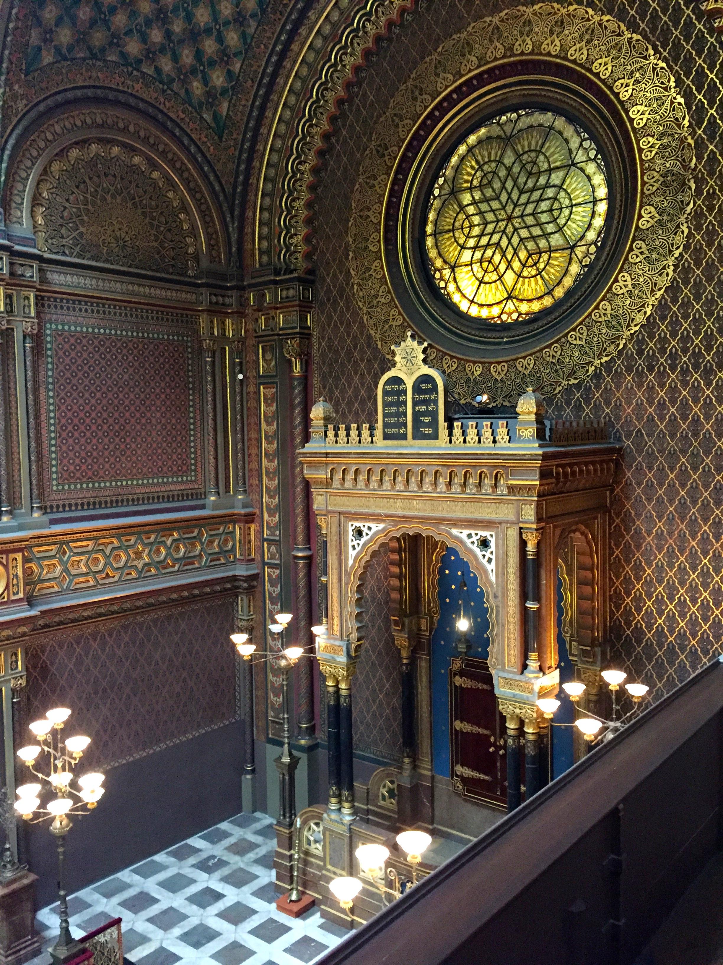 spanish-synagogue-jewish-quarter-prague-attractions