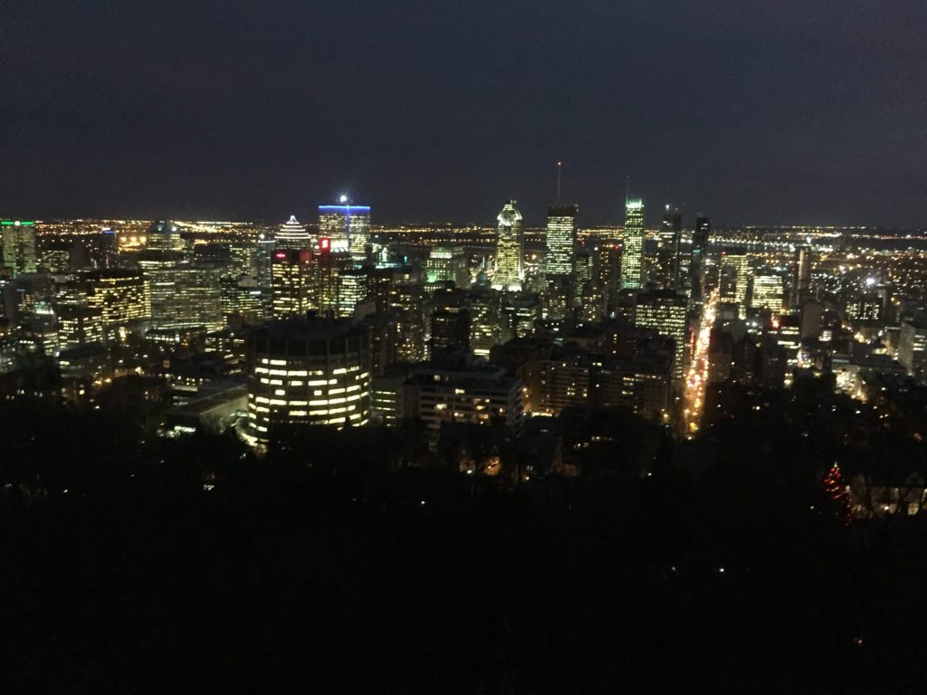 montreal-attractions-mont-royal-night