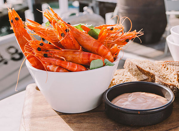 Image of a Seafood Lunch on the Sydney Sightseeing Tour