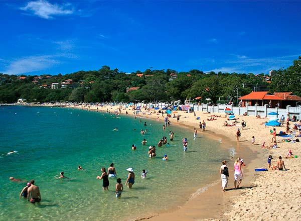 An image of Balmoral Beach, our lunch time beach pit stop on the best kids tour in Sydney
